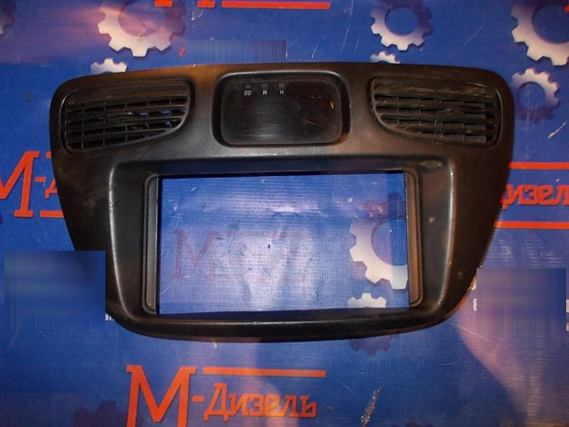 Рамка магнитофона Toyota Townace Noah CR52V 3C-E 2001