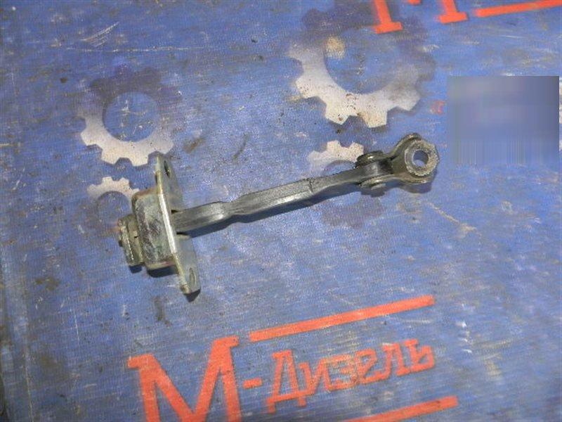 Ограничитель двери Toyota Vitz KSP90 1KR-FE 2008 задний левый