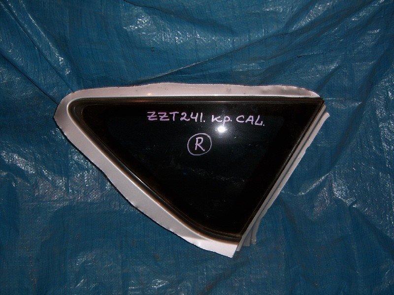 Стекло собачника Toyota Caldina ZZT241W 1ZZ-FE заднее правое