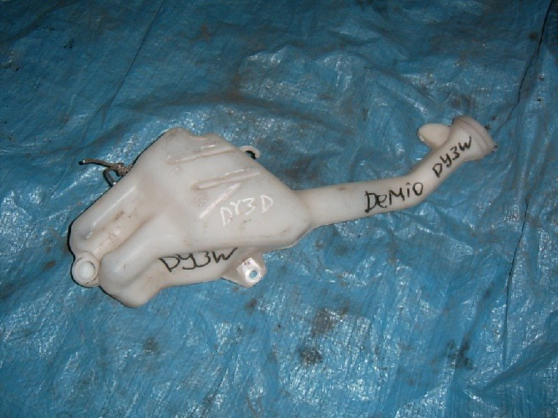 Бачок омывателя Mazda Demio DY3W 2002