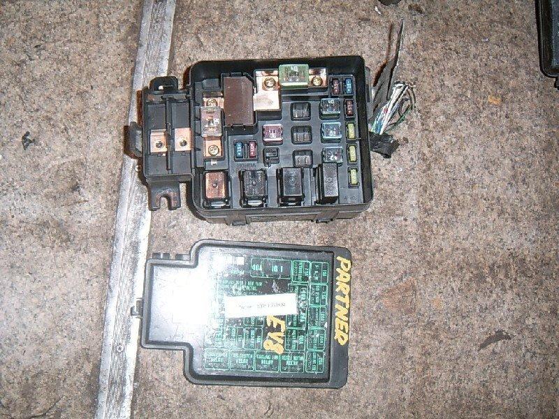 Блок предохранителей Honda Partner EY8 D16A 2001