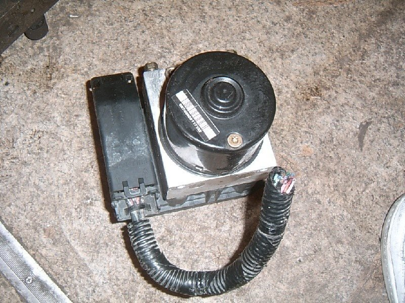 Блок abs Mazda Demio DY3W 2002