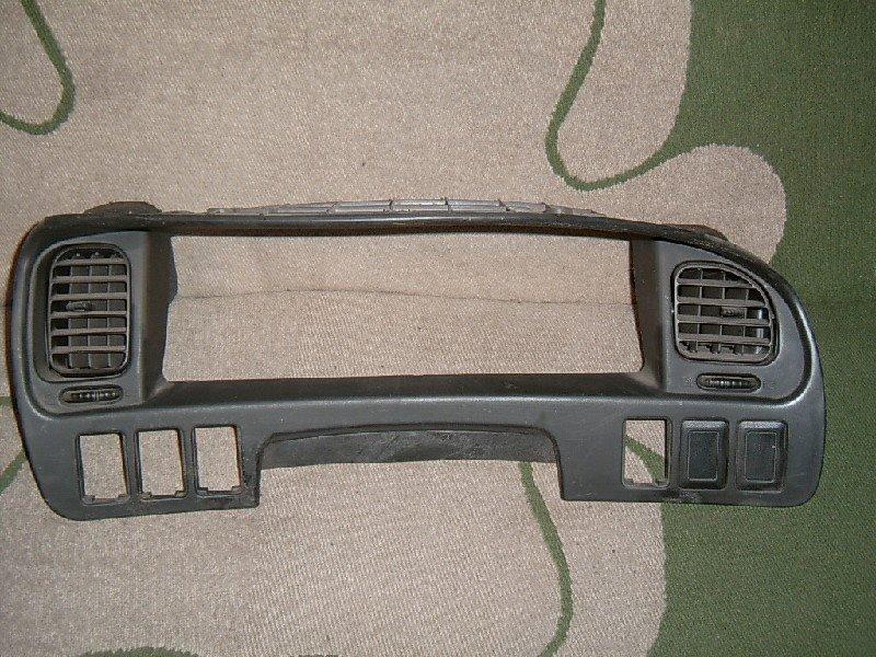 Накладка Mitsubishi Delica Space Gear PE8W 4M40-T 1998
