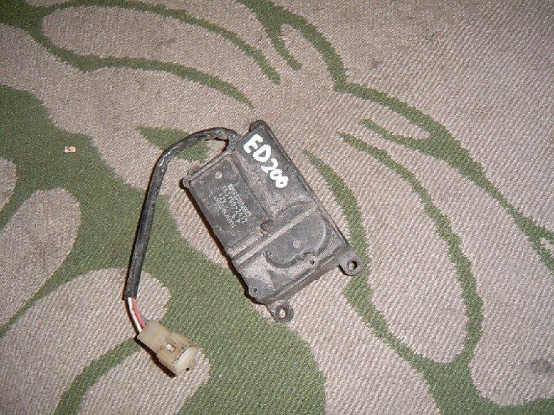 Привод заслонок отопителя Toyota Carina Ed ST200 1998