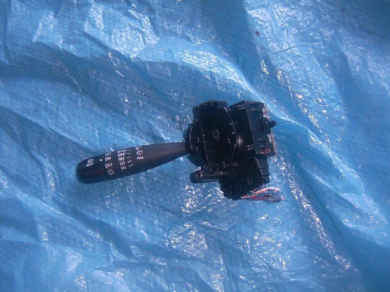 Переключатель стеклоочистителя Toyota Passo QNC10 2005 левый