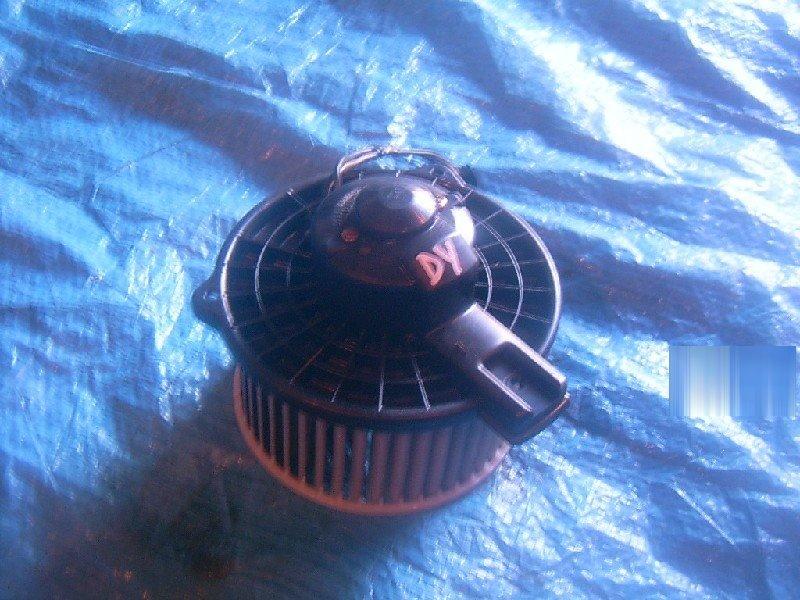 Мотор отопителя Mazda Demio DY3R 2003