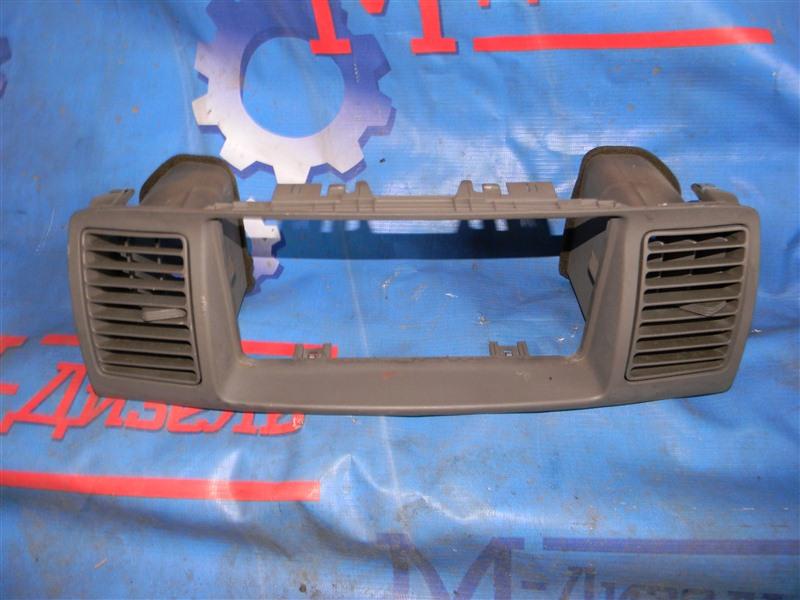 Рамка магнитофона Toyota Corolla Fielder NZE121 1NZ-FE 2001