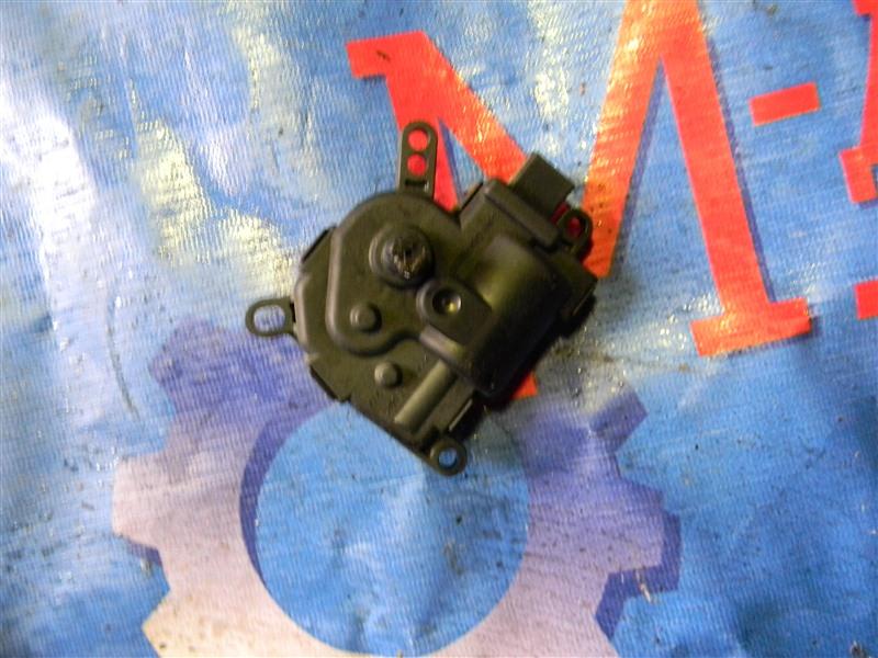 Привод заслонок отопителя Ford Focus CB4 1.6L DURATEC 16V PFI 2011