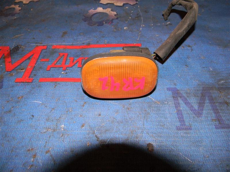 Повторитель в крыло Toyota Townace Noah KR42V 7K 1999