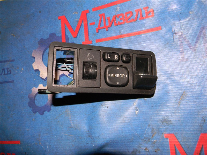 Блок управления зеркалами Toyota Corolla Fielder NZE121 1NZ-FE 2001