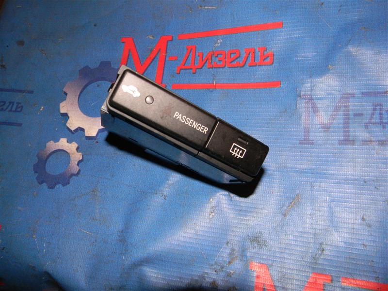 Кнопки в салон Toyota Avensis AZT251 2AZ-FSE 2006