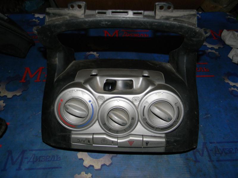 Блок управления климат-контролем Toyota Passo QNC10 2005
