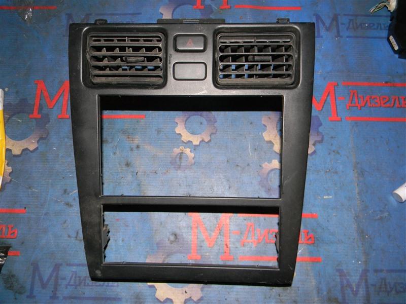 Рамка магнитофона Toyota Caldina ST215 2000