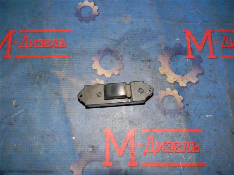 Кнопка стеклоподъемника Mitsubishi L200 KB4T 4D56 2006 задняя