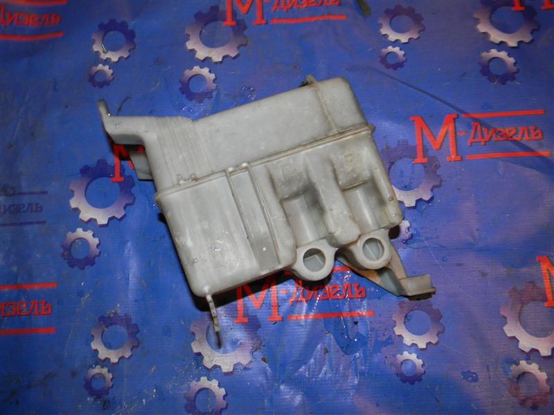 Бачок омывателя Toyota Townace Noah CR52 3CE 2004