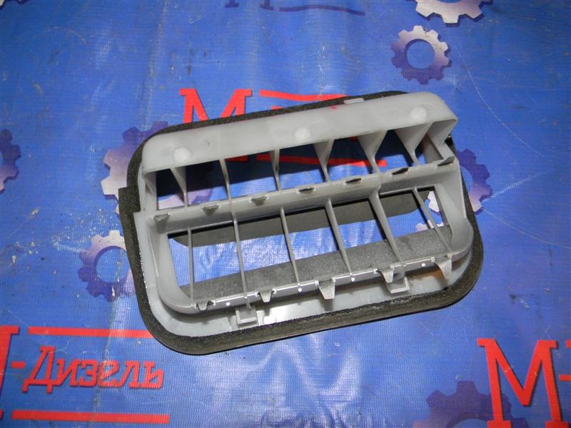 Решетка вентиляции в багажник Toyota Corolla Fielder NZE121 1NZ-FE 2005