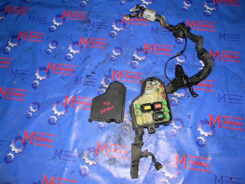 Блок предохранителей Isuzu Elf NKR71E 4HG1 2001