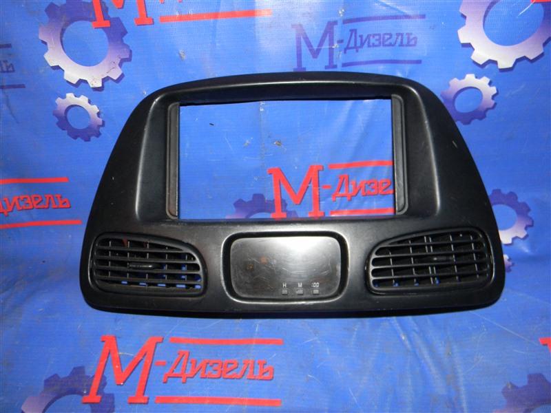 Рамка магнитофона Toyota Townace Noah KR42V 7K-E 2001