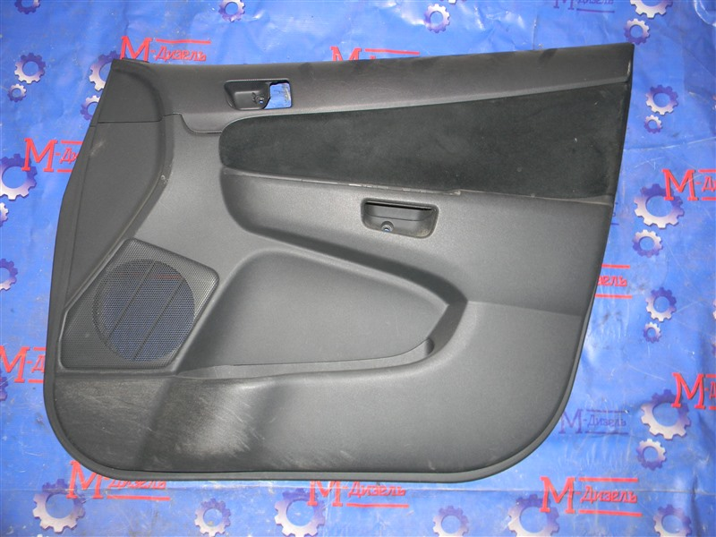 Обшивка двери Toyota Wish ZNE10G 1ZZ-FE 2007 передняя правая