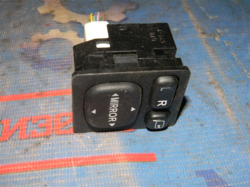 Блок управления зеркалами Toyota Corolla Fielder ZRE144G 2ZR-FE 2007