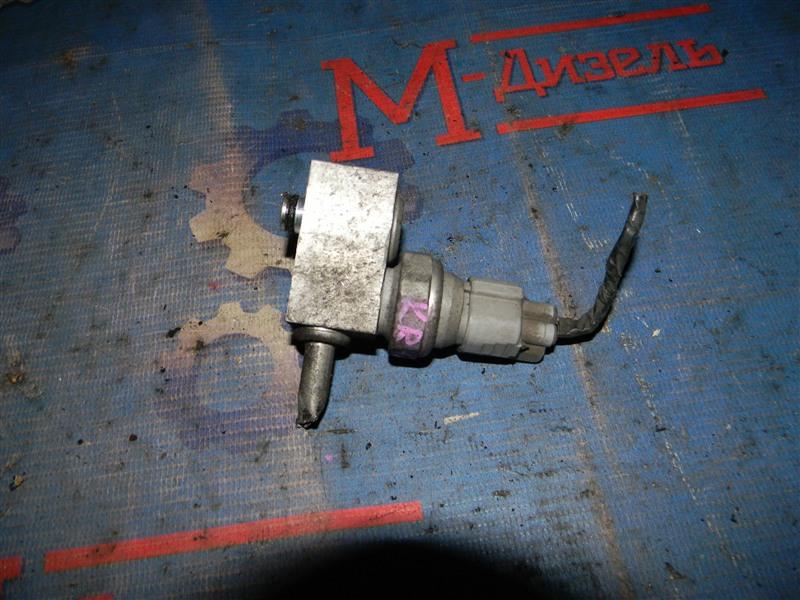 Датчик давления в системе кондиционирования Toyota Townace Noah KR42V 7K-E 2005