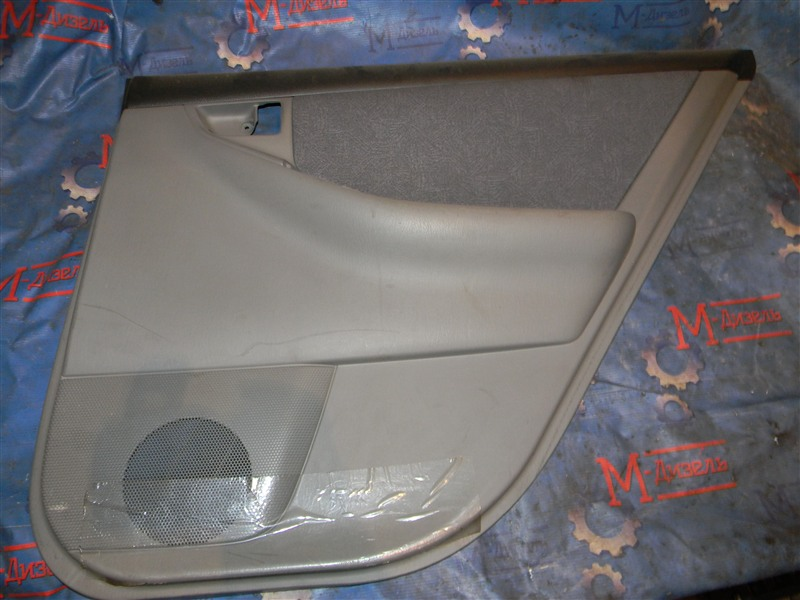 Обшивка двери Toyota Corolla Fielder NZE121 1NZ-FE 2000 задняя правая