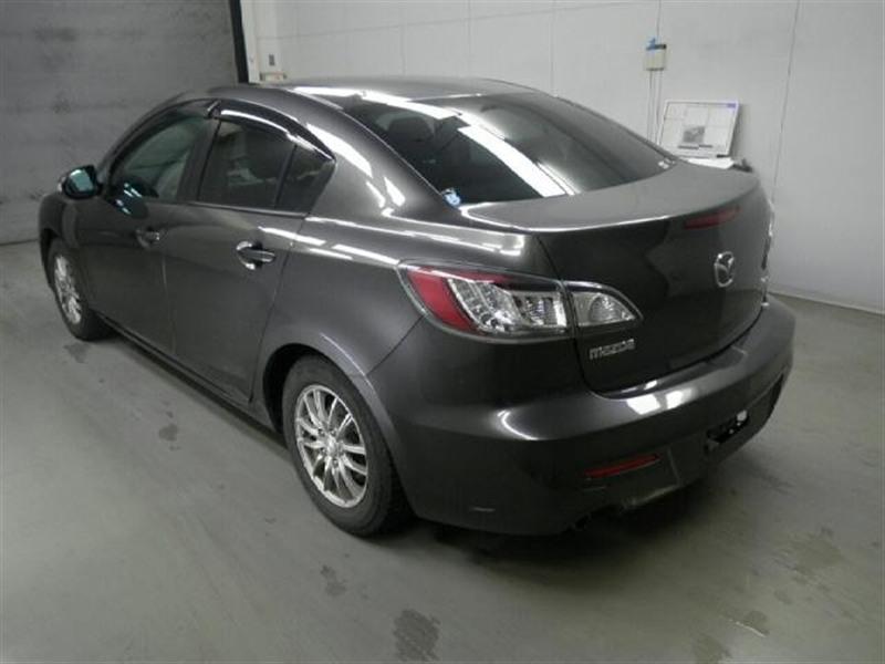 Стекло заднее Mazda Axela BLEFW LF-VDS 2010