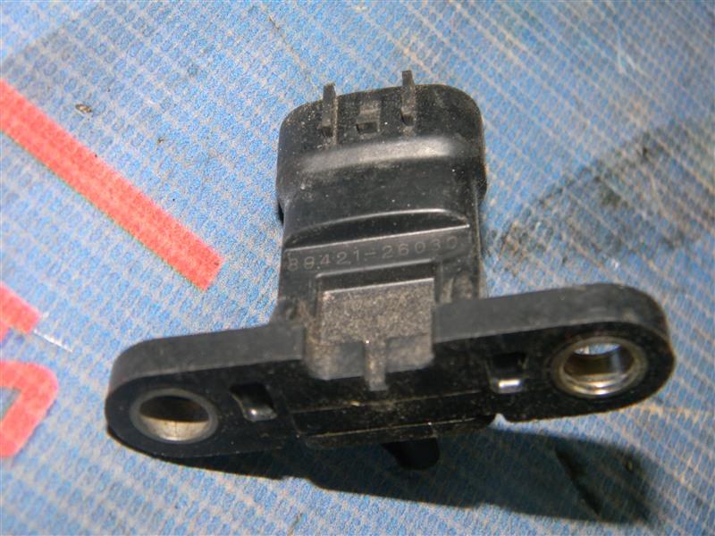 Датчик давления во впускном коллекторе Toyota Auris ZRE152 2ZR-FAE 2010