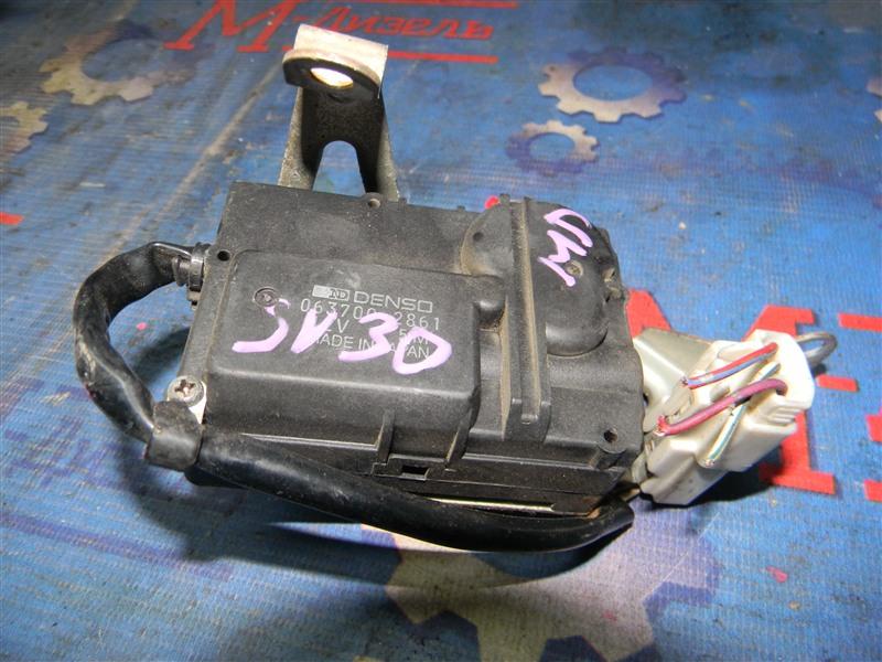 Привод заслонок отопителя Toyota Vista SV30 4S-FE 1992