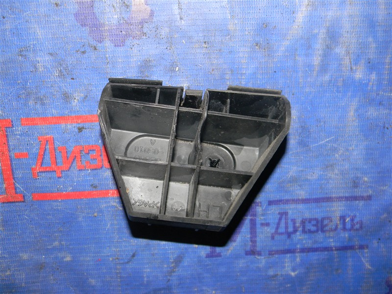 Клипса бампера Toyota Avensis AZT250 1AZ-FSE 2008 задняя правая