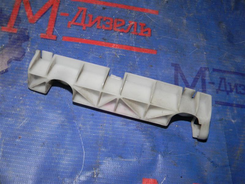 Клипса бампера Mitsubishi Outlander Xl CW5W 4B12 2005 задняя левая