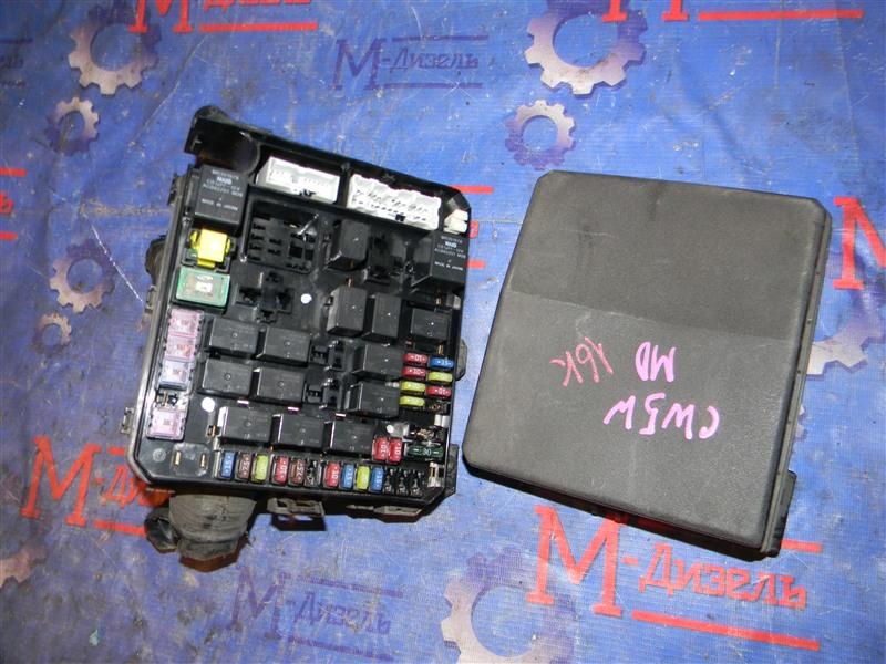 Блок предохранителей Mitsubishi Outlander Xl CW5W 4B12 2005