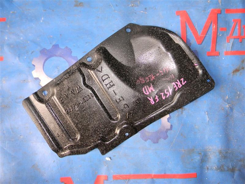Защита двигателя Toyota Auris ZRE152 2ZR-FAE 2010 передняя правая