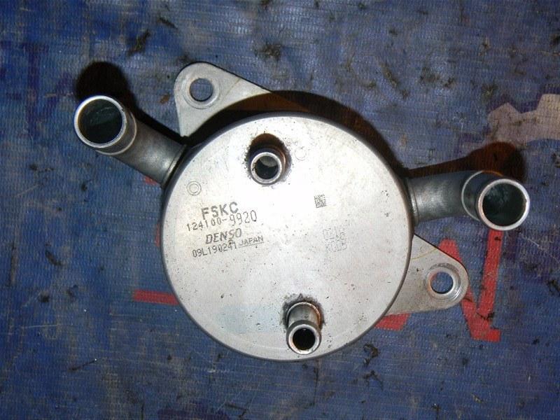 Радиатор масляный Mazda Axela BLEFW LF-VDS 2010