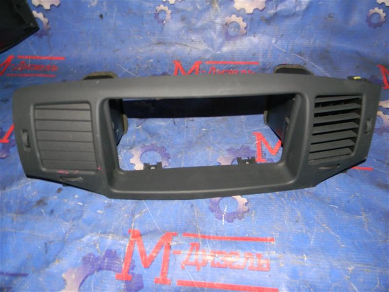 Рамка магнитофона Toyota Corolla Fielder NZE121 1NZ-FE 2004