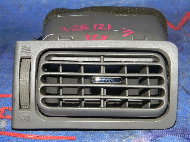 Дефлектор воздушный Toyota Corolla NZE121 1NZ-FE 2001 передний левый