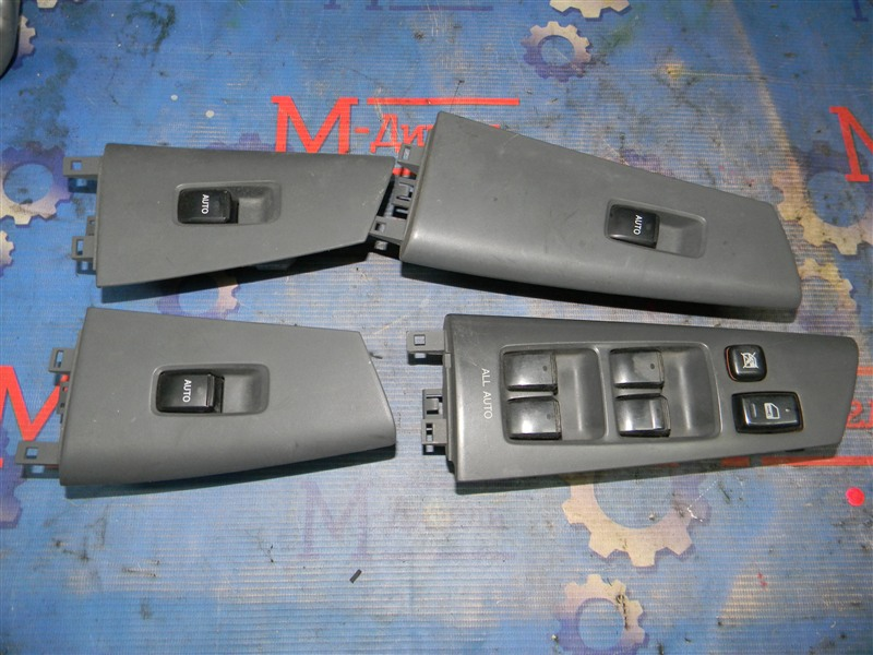Кнопки в салон Toyota Corolla Fielder NZE121 1NZ-FE 2002