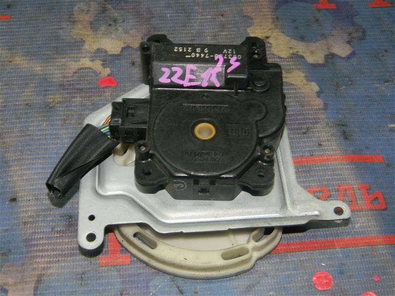 Привод заслонок отопителя Toyota Corolla Fielder ZZE123 2ZZ-GE 2000
