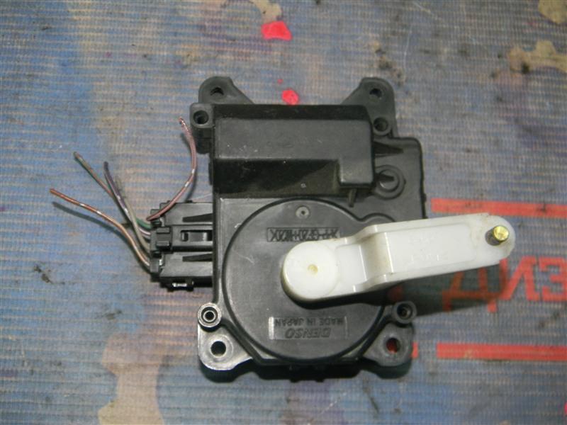 Привод заслонок отопителя Toyota Altezza Gita JCE10 2JZ-GE 2004