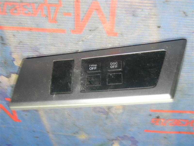 Кнопки в салон Mazda Axela BLEFW LF-VDS 2010
