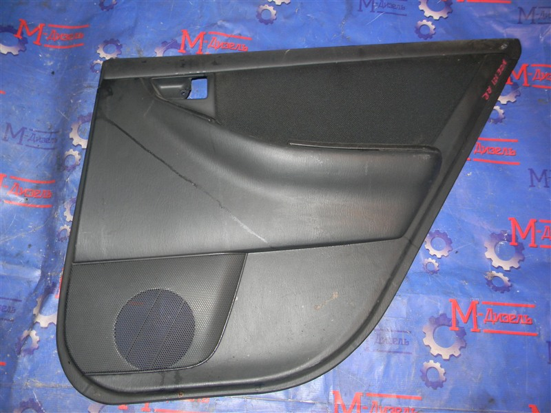 Обшивка двери Toyota Corolla Fielder ZZE123 2ZZ-GE 2000 задняя правая