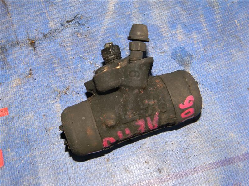 Тормозной цилиндр Toyota Corolla AE110 5A-FE 1998 задний левый