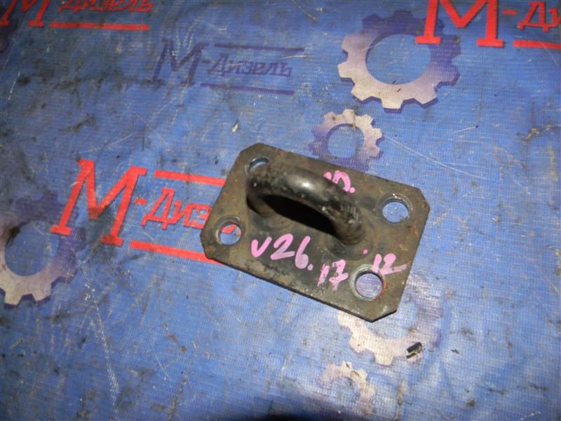 Балка поперечная Mitsubishi Pajero V26W 4M40-T 1995