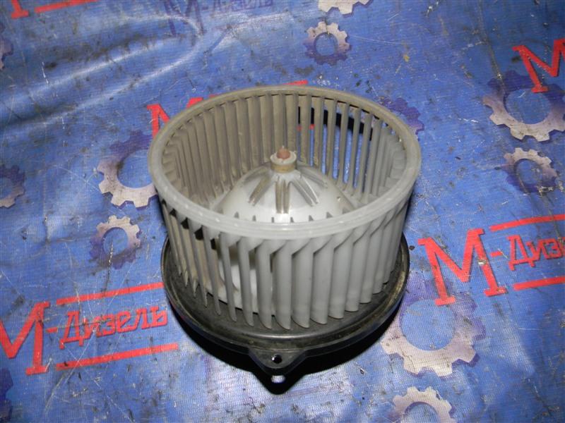 Мотор отопителя Toyota Granvia VCH10 5VZ-FE 2001