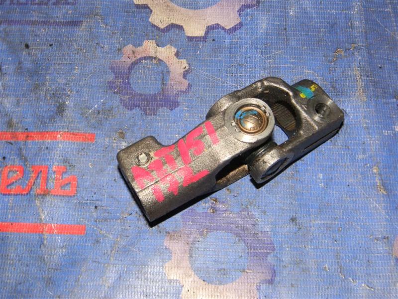 Рулевой карданчик Toyota Avensis AZT251 2AZ-FSE 2007 верхний