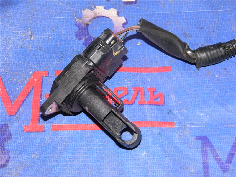 Расходомер воздушный Toyota Avensis AZT251 2AZ-FSE 2007