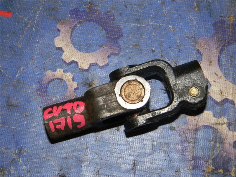Рулевой карданчик Toyota Vista CV40 3C-T 1996