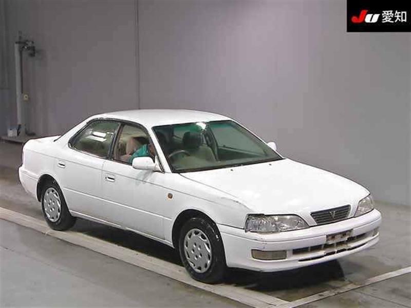 Стекло лобовое Toyota Vista CV40 3C-T 1996