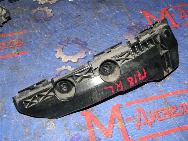 Клипса бампера Toyota Rav4 ACA31 2AZ-FE 2006 задняя левая