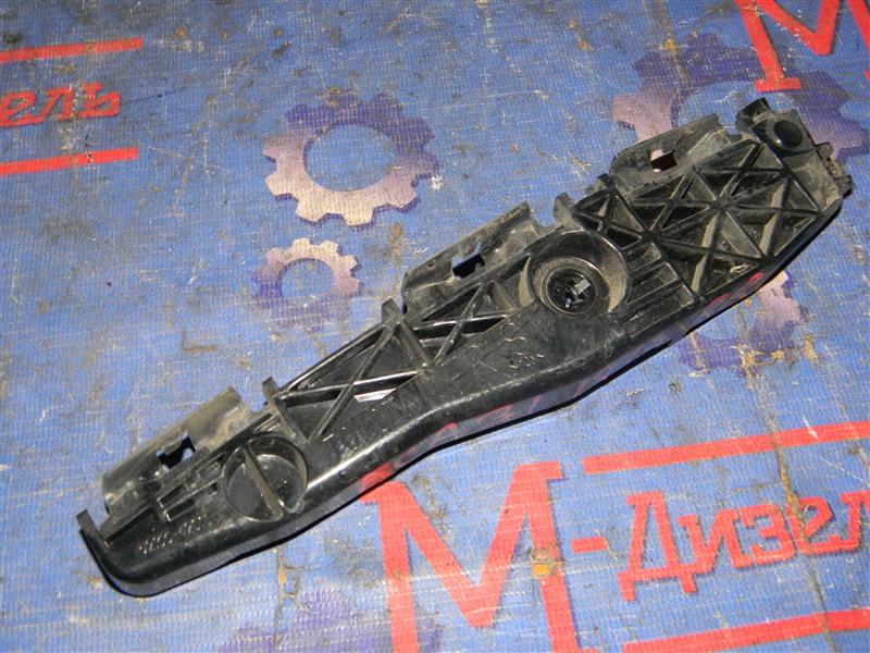Клипса бампера Toyota Rav4 ACA31 2AZ-FE 2006 задняя правая
